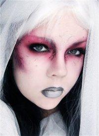 Макияж на Хэллоуин: шикарная зомби