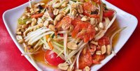 Салат из зеленой папайи Сом-Там