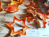 Засушенные мандариновые корки для новогоднего декора