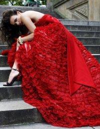 Женщина в красном, или как не переборщить с цветом