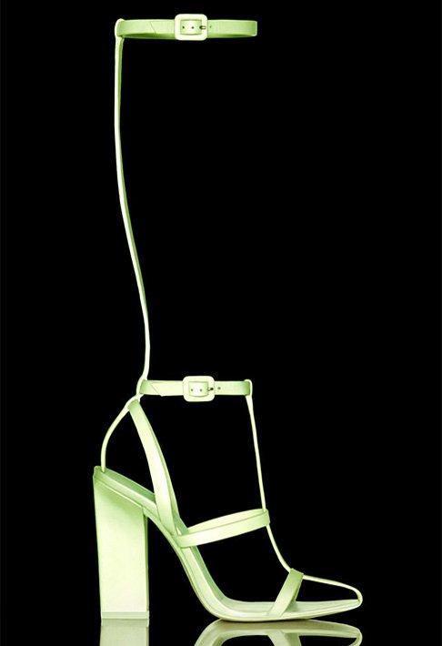 Босоножки, которые светятся в темноте от Alexander Wang