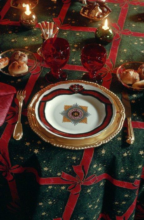 Идея для новогоднего декора стола