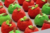 Декор капкейков в виде яблочек