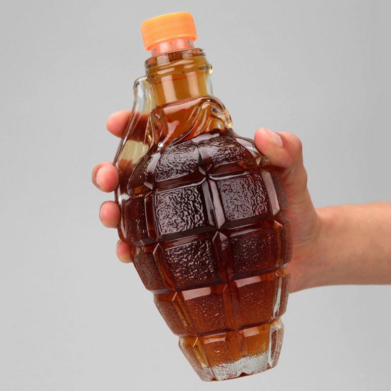 Бутылка для алкогольных напитков в виде лимонки