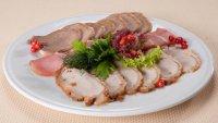 Оформление нарезки из запеченного или вяленого мяса