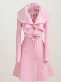 Осенняя мода 2012: розовое пальто с рюшами