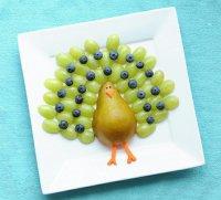Идея подачи фруктов на праздничный стол