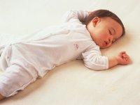 Правила дневного сна ребенка: время укладывания