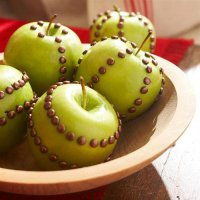 Украшенные яблоки к Новому году