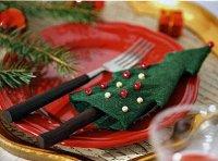 Новогодний чехол для столовых приборов в виде елочки