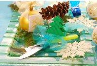 Новогодняя сервировка стола: композиция на тарелке