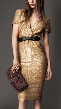 Расшитое пайетками платье от Burberry