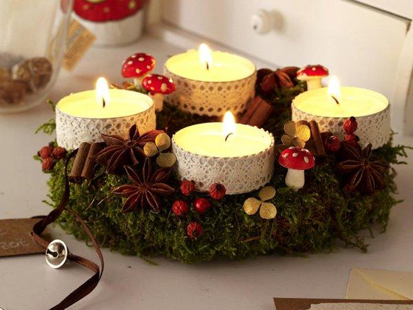 Новогодняя композиция из свечей