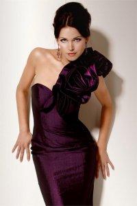 Как выбрать платье на Новый год? Роскошное VS Скромное
