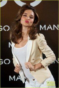 Миранда Керр на мадридском фотоколле для Mango