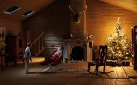 Мертвый Санта Клаус в картонной коробке