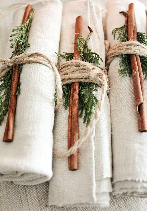 Украшение льняных салфеток на Рождество и Новый год