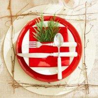 Новогодняя сервировка стола: красный и белый
