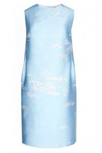 «Небесное» платье-футляр Vika Gazinskaya