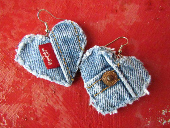 Сережки из джинсовой ткани - утилизируем старые джинсы