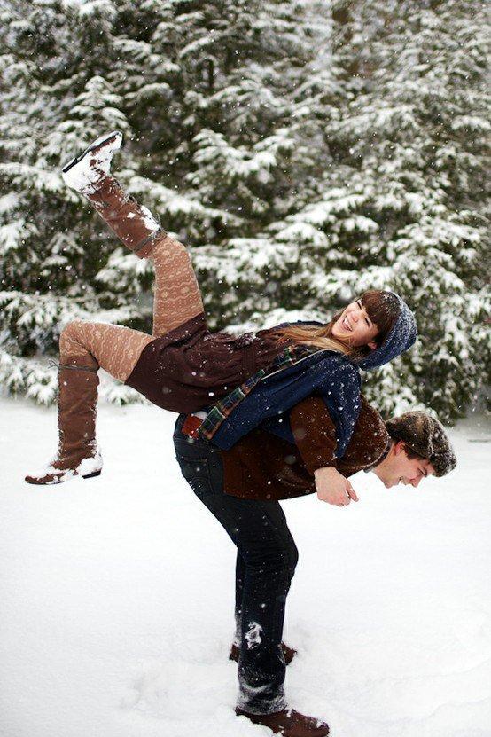 Идея для зимнего фото вдвоем