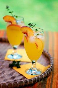 Новогодние коктейли с шампанским: «Персиковый восторг»