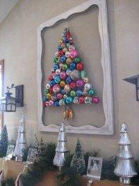 Украшение интерьера к Новому году: елка из шаров