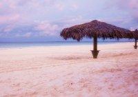 Пляж Пинк Сэндс (Розовые пески)