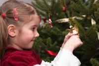 Детские игры на Новый год: Найти Деда Мороза