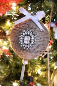 Идея для новогоднего шарика на елку своими руками