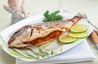 Блюдо на Новый год: дорада, фаршированная овощами