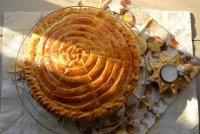 Рождественская выпечка: пирог трех королей