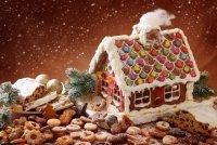Рождественская выпечка: пряничный домик