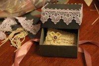 Красивая подарочная коробка с кружевом своими руками