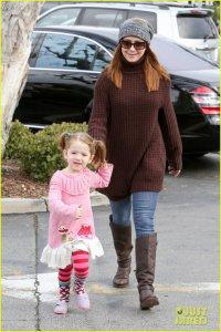 Элисон Ханниган на шоппинге с детьми