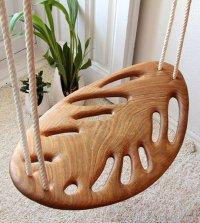Резные деревянные качели ручной работы Leaf swing от Вероники Мартинес