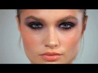 Видеоурок по созданию макияжа smoky eyes в фиолетовой гамме