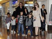 Большая дружная семья Анджелины Джоли и Бреда Питта