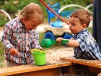Ребенок жадничает: как должны реагировать родители