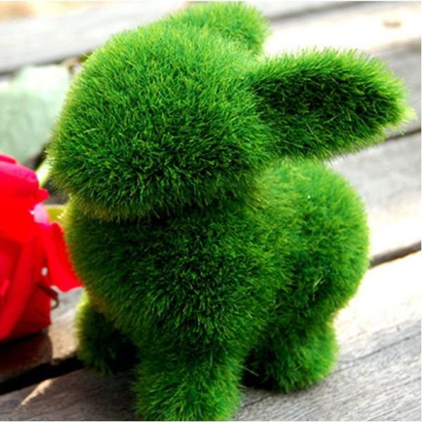 Зеленый кролик для украшения дома