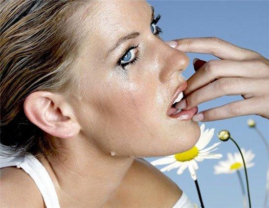 Почему мужчин раздражают женские слезы?