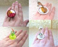 Кольца в виде миниатюрных напитков и блюд