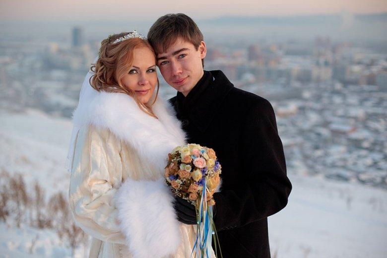 Свадебные фото жених в белом