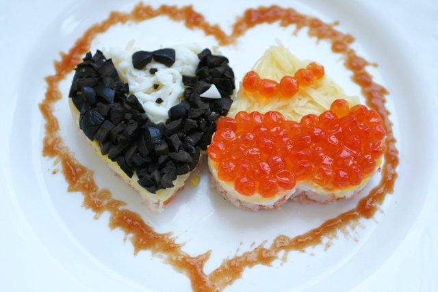 Салат на День святого Валентина «Влюбленная парочка»