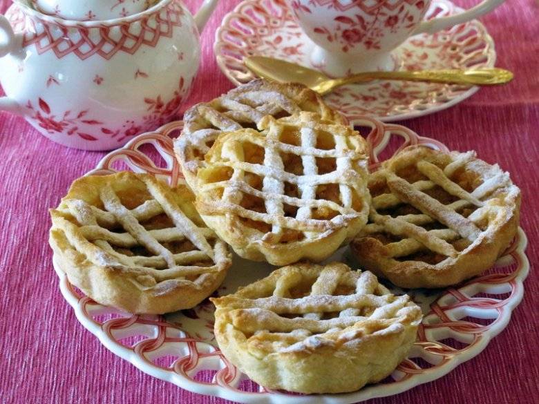 Миниатюрные яблочные пироги