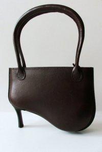 Peter Jakubik представляет сумки на каблуках Widow