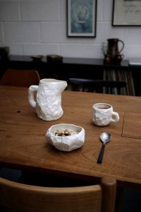 Пьяная, помятая... посуда от Макса Лэмба (серия Crockery)