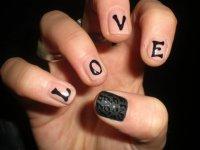 LOVE-маникюр на День святого Валентина