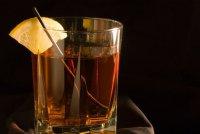 Горячие напитки: коктейль «Старый Том»
