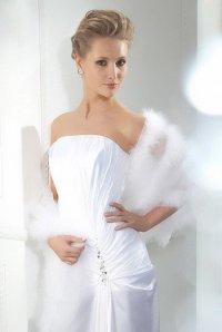 Свадебные головные уборы для зимы: палантин невесты